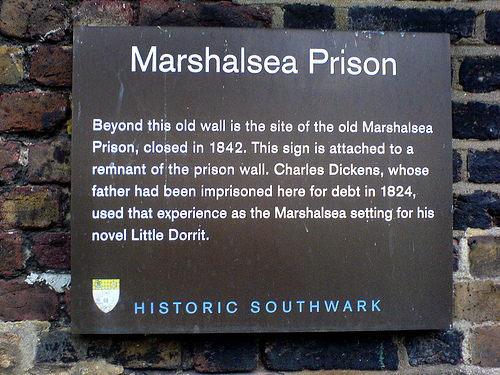 Plaque_on_the_remaining_wall_of_the_Marshalsea_prison,_London,_December_2007